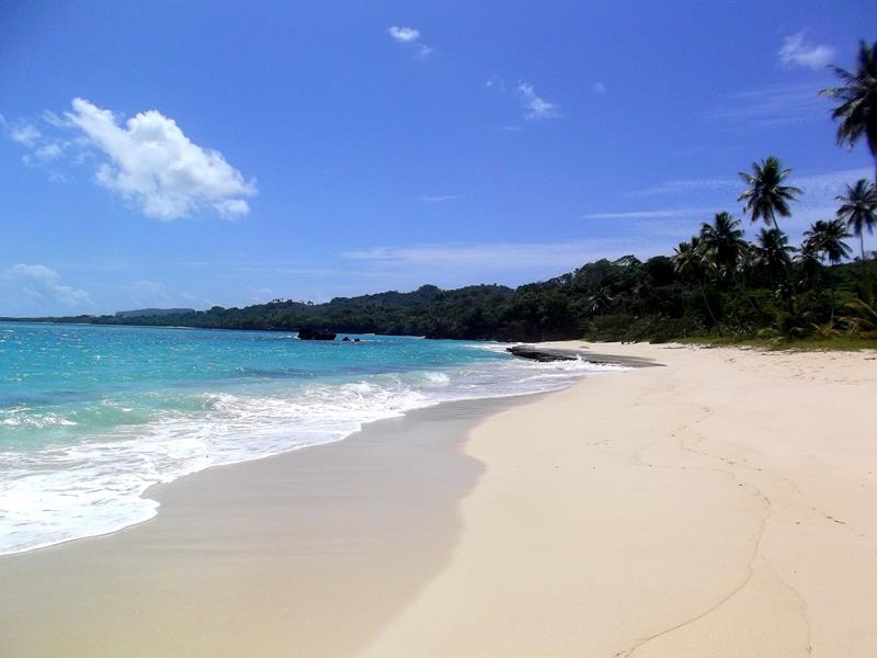Der traumhafte Playa Rincon im Nordosten der Samaná-Halbinsel in der Dominikanischen Republik