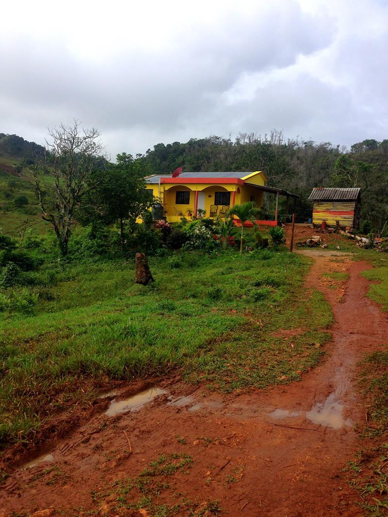 Wanderung vom Playa Rincon zum Playa El Valle durch kleine dominikanische Dörfer