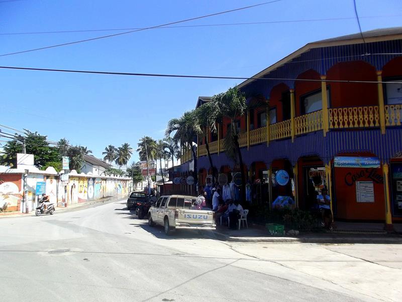Las Terrenas, das belebte Fischerdorf im Norden von Samana