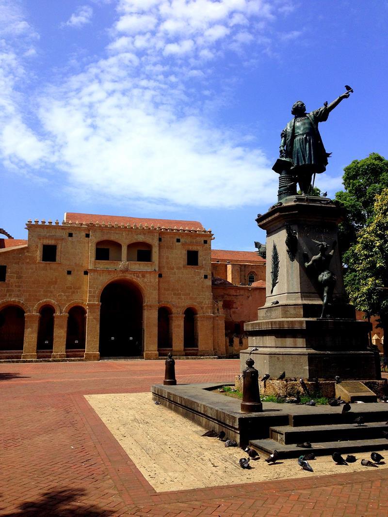 Der Plaza Colon mit der Kathedrale im Hintergrund