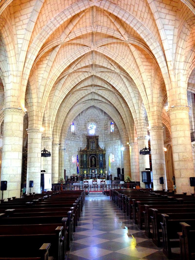 Die älteste Kathedrale der Neuen Welt, die Basilika Santa María la Menor in Santo Domingo