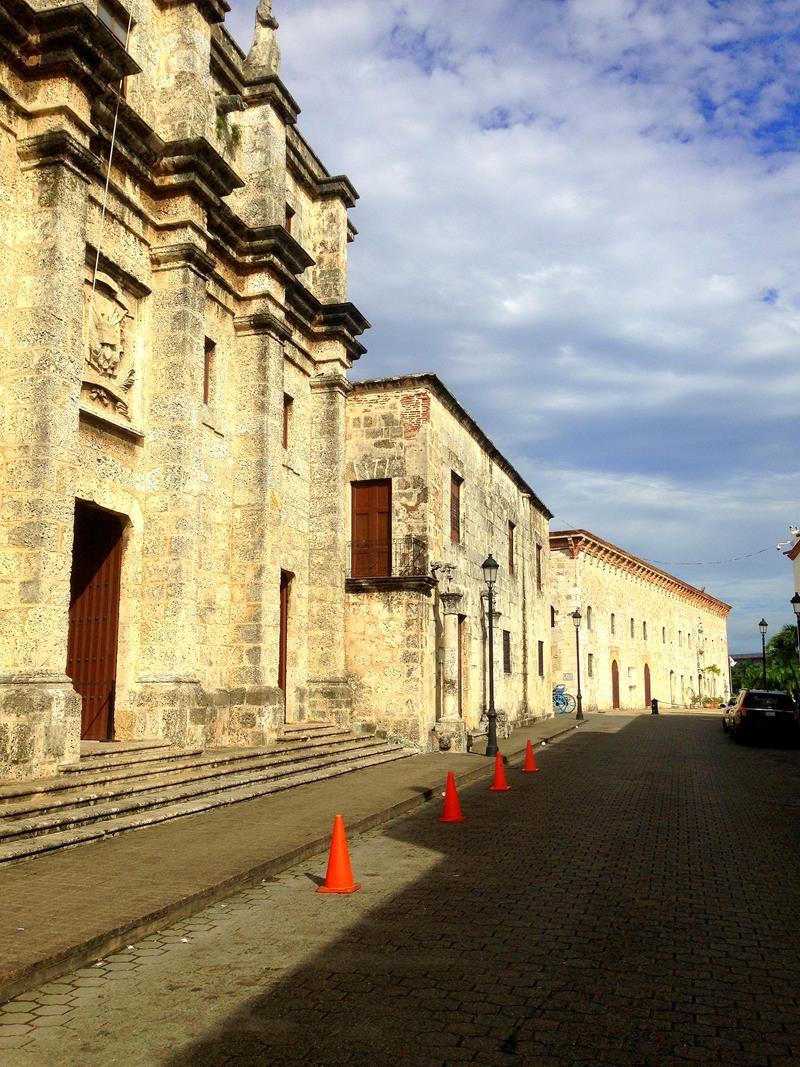 Die Calle Las Damas, die älteste Straße der Neuen Welt