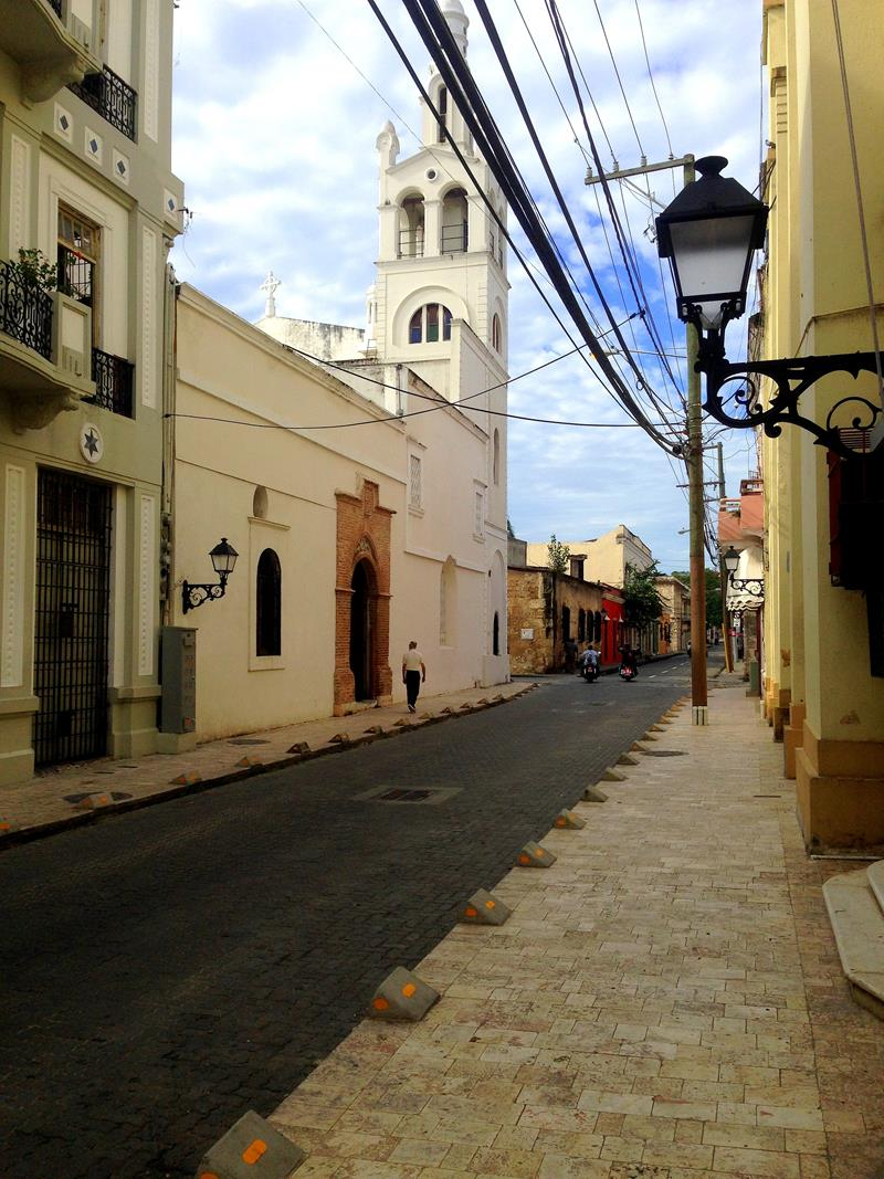 Die Calle Las Mercedes, eine der typischen Straßen in der Zona Colonial
