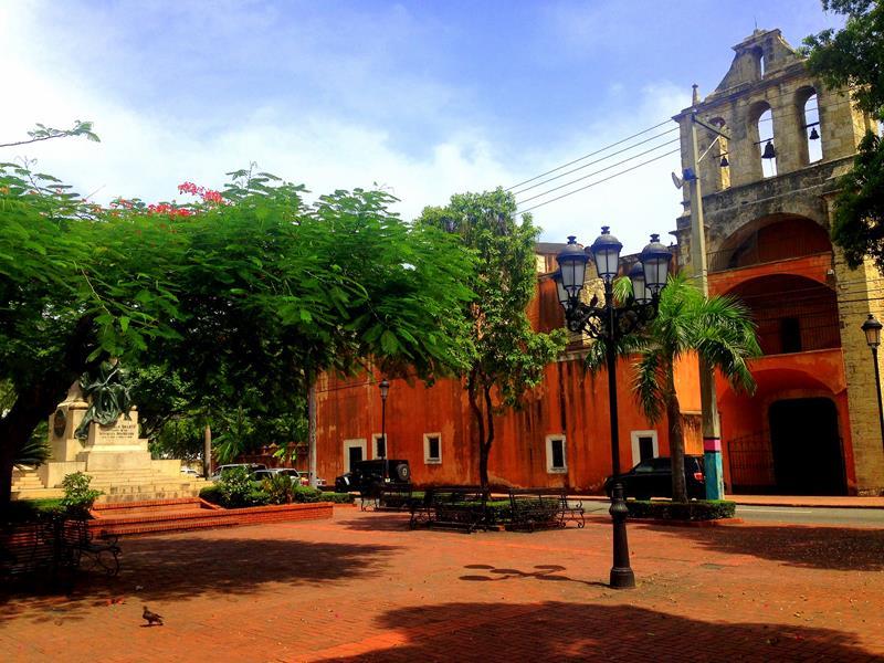 Der Parque Duarte in der Zona Colonial, der wochtigste Treffpunkt der Einheimischen