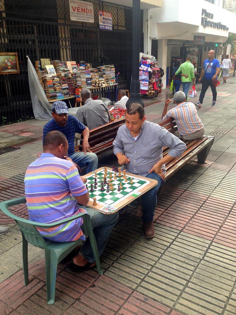 Schachspieler lassen sich immer wieder in der Calle Conde beobachten