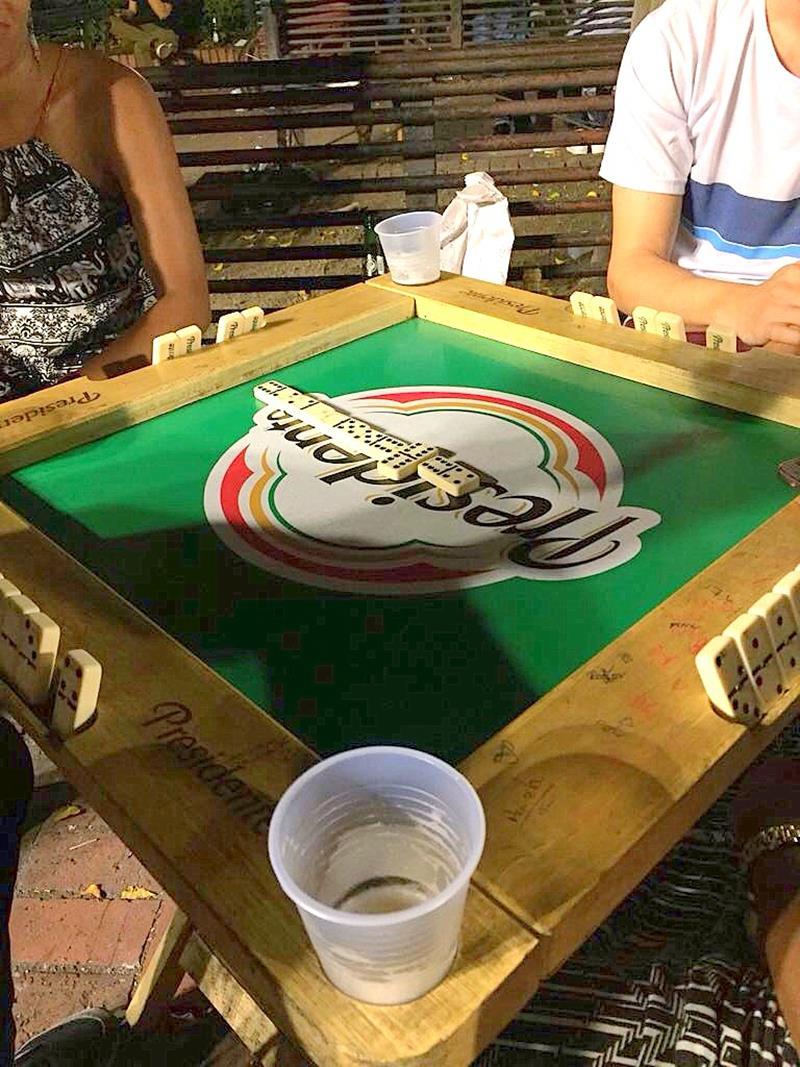 Domino ist Volkssport in der Dominikanischen Republik und gibt es selbstverständlich auch in der Zona Colonial
