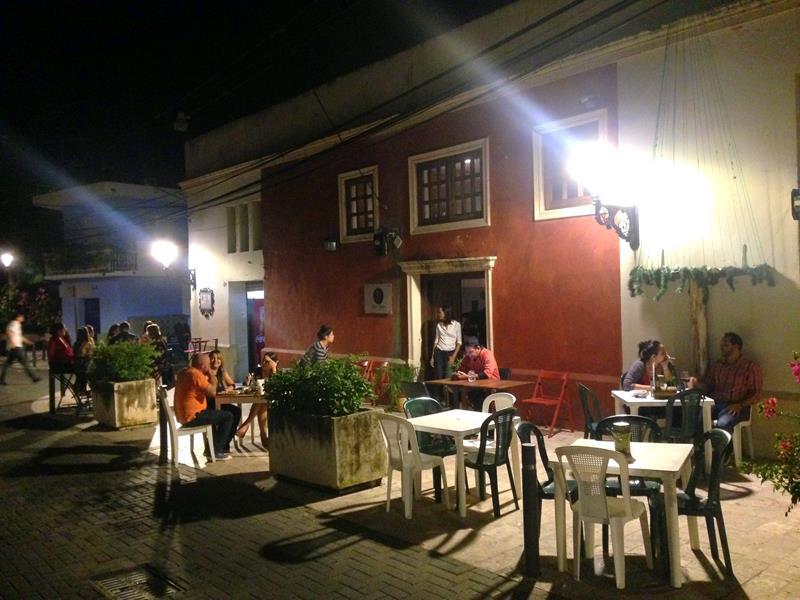 Navariccos, der Geheimtipp in der Zona Colonial für günstigen Wein
