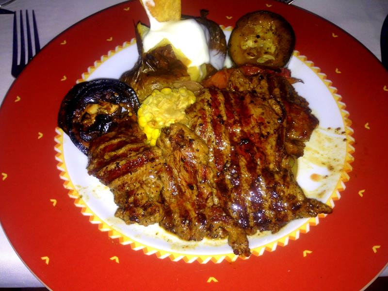Essen im Steakhouse im BlueBay Villas Doradas in Puerto Plata