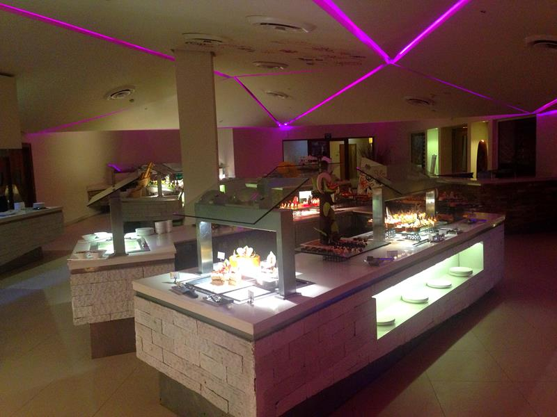 Sehr attraktive Buffets im breathless Resort Punta Cana in Uvero Alto