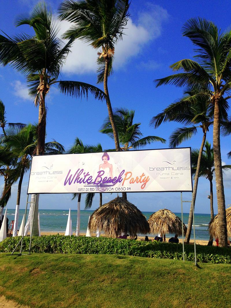 Strandparty Das Restaurante Spumante im breathless All-Inclusive Resort in Punta Cana