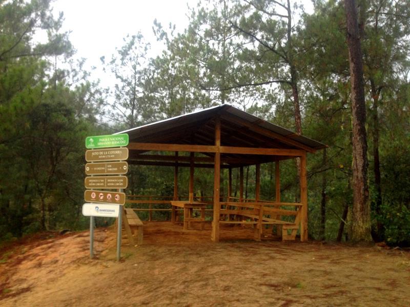 Eine der zahlreichen Schutzhütten auf dem Weg zum Pico Duarte