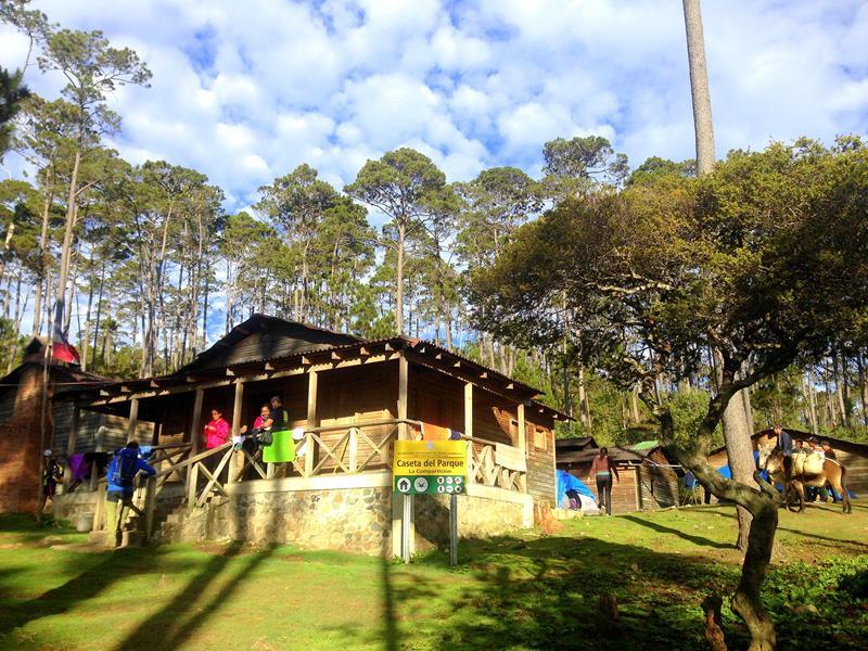 Das Base Camp La Comparticion auf dem Weg zum Pico Duarte