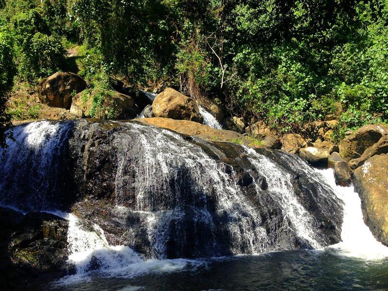 Der kleinere Wasserfall am Cascada Blanca zwischen Miches und El Seibo
