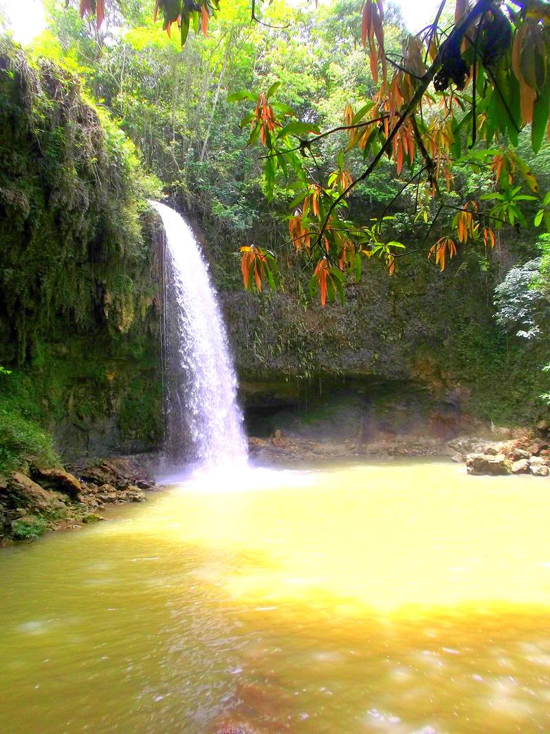 Der Wasserfall Salto Socoa auf dem Weg von Santo Domingo nach Socoa