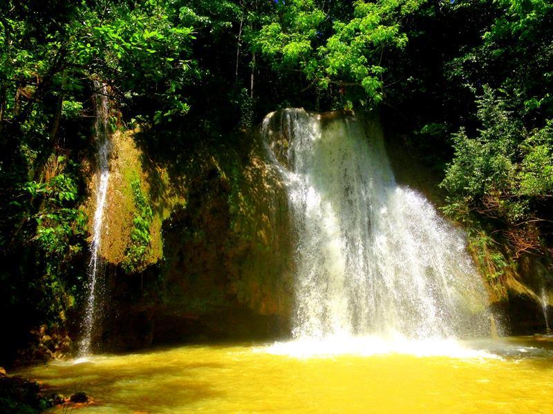 Der untere Wasserfall des Salto El Limon auf der Samana-Halbinsel