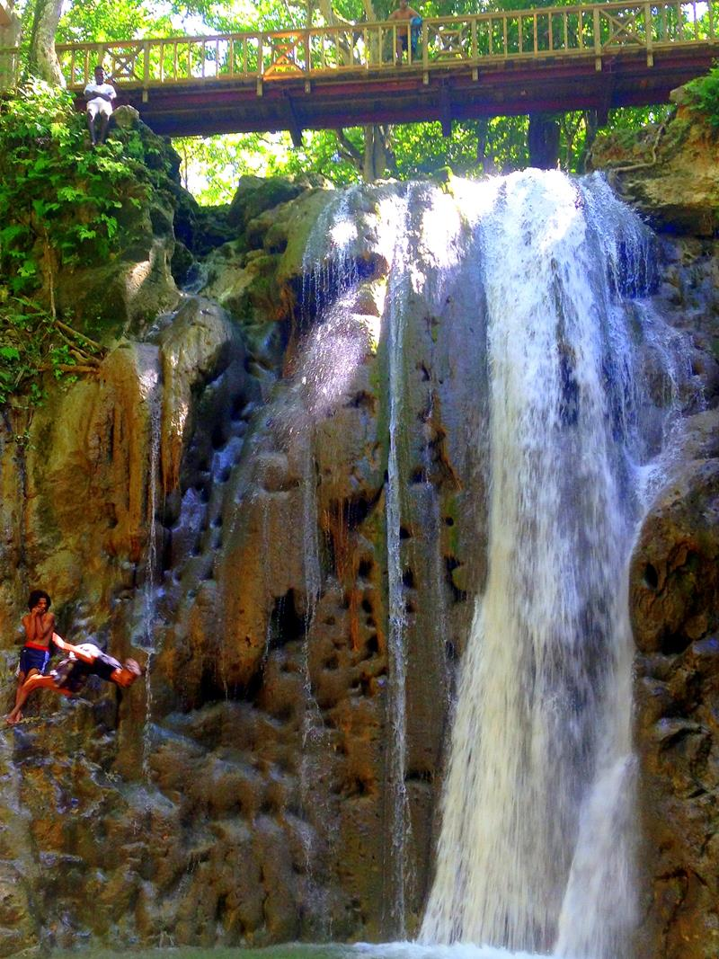 Der Wasserfall El Saltadero in der Nähe von Cabrera