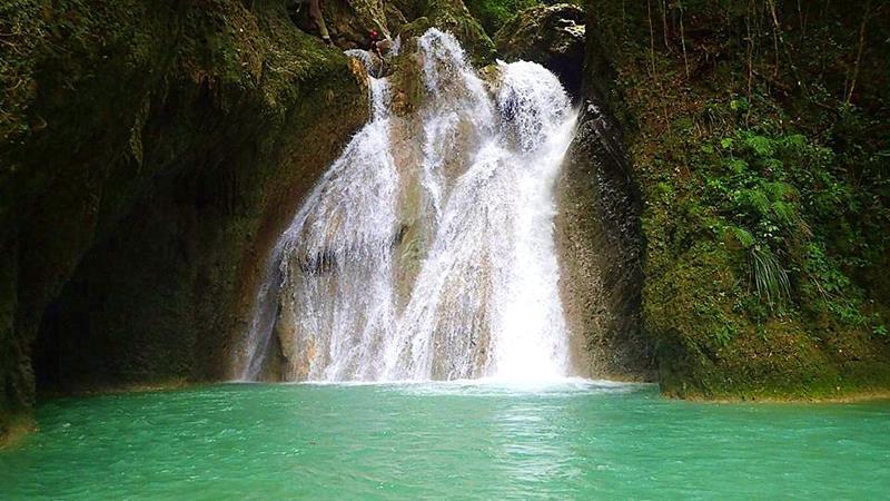 Der Wasserfall Salto de Elena in der Cordillera Septentrional
