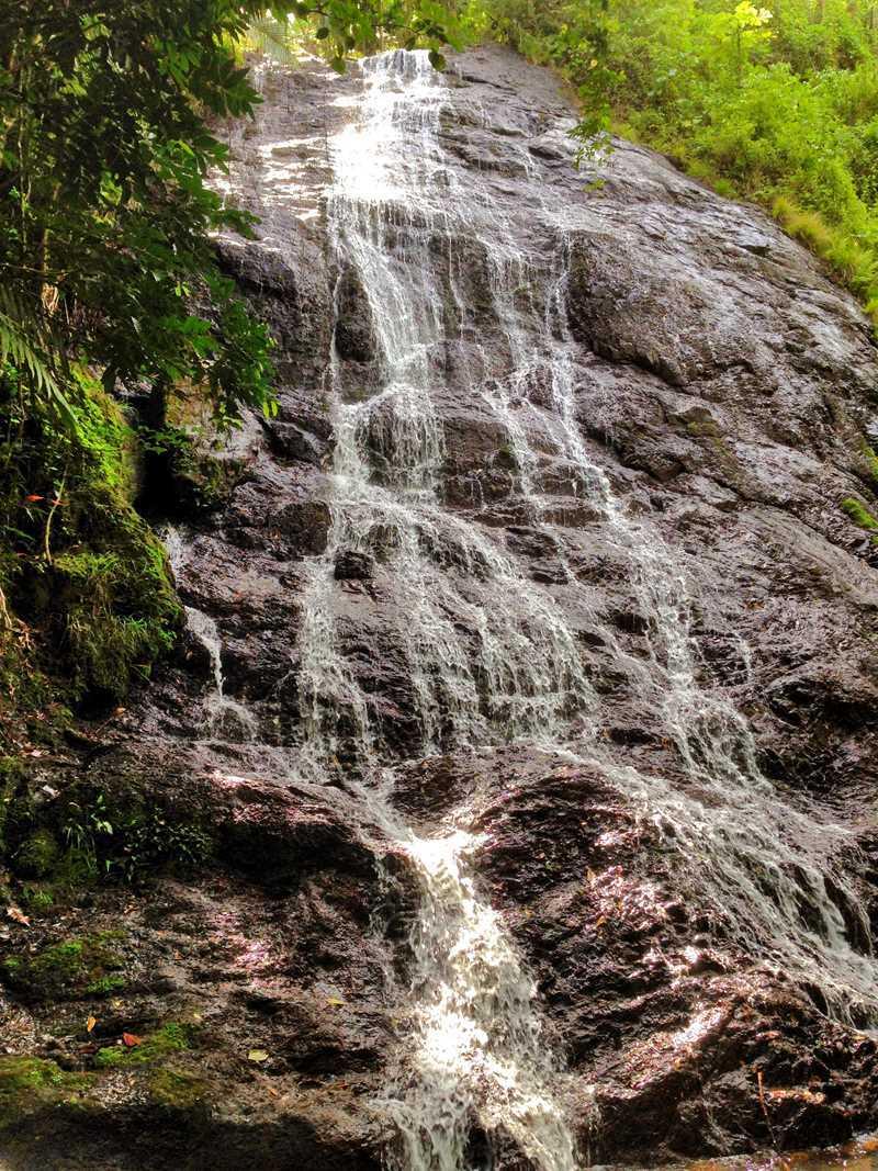 Der Salto Rio Bonito bei Rio Limpio im Nordwesten der Dominikanischen Republik