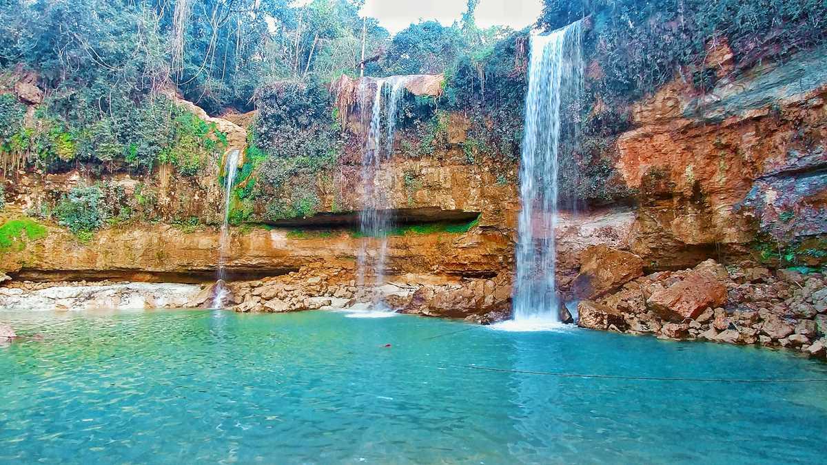 Der Wasserfall Salto Alto de Bayaguana im Zentrum der Dominikanischen Republik