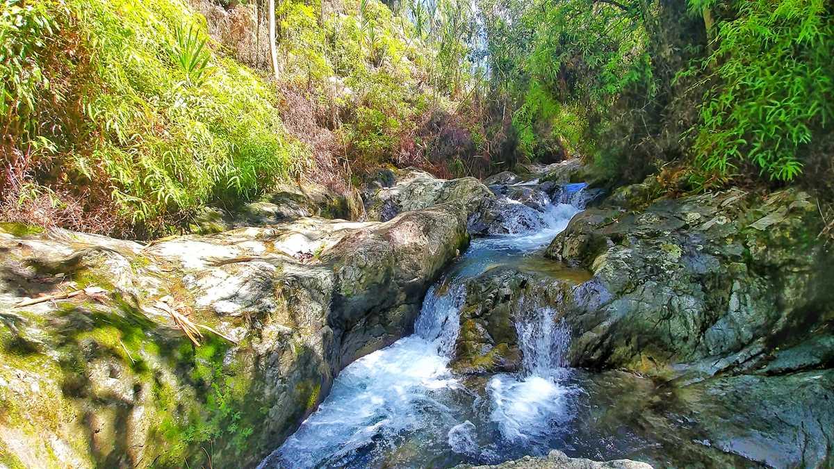Das Balneario El Arroyazo in der Cordillera Central, Teil des Naturreservats Ebano Verde