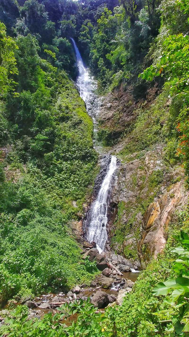 der zweithöchte Wasserfall der dominikanischen Republik, der Salto La Gritona