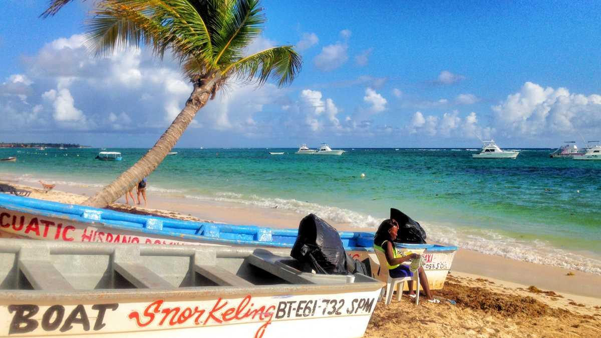 Boote für Ausflüge in Punta Cana am Strand von Bavaro, dem Bavaro Beach