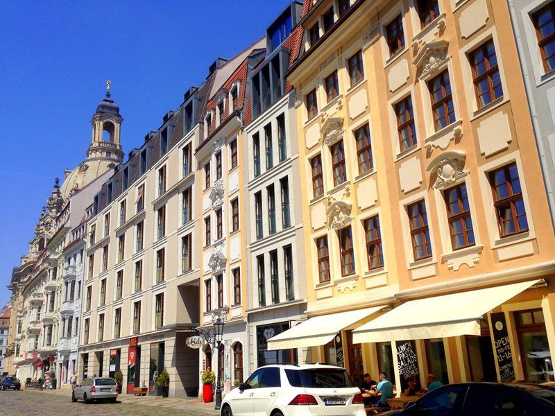 Der historische Neumarkt in Dresden rund um die Frauenkirche
