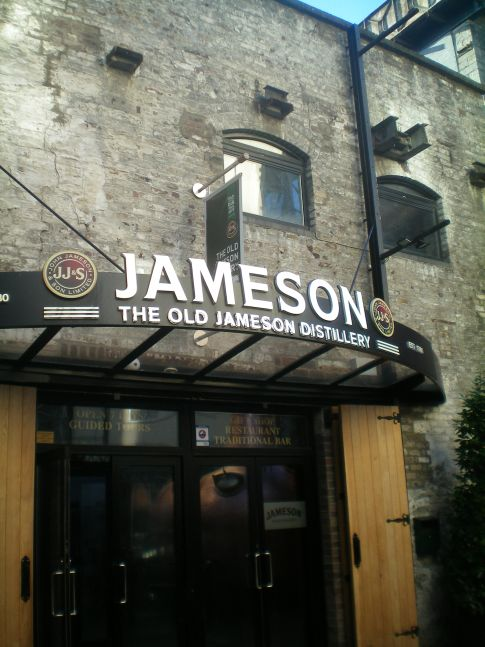 Eingang zur Old Jameson Distillery