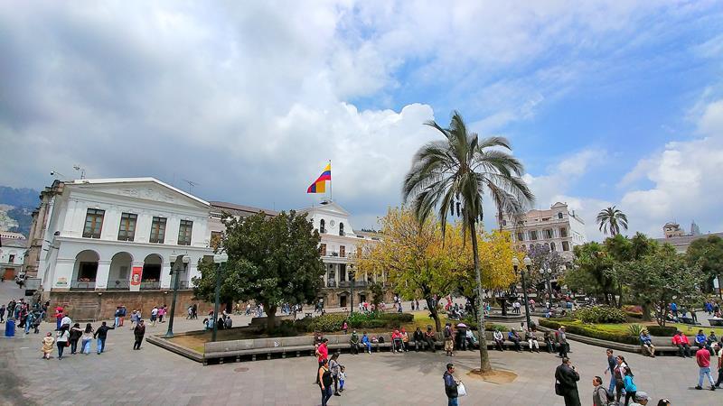 Der Plaza Grande von Quito mit seinen historischen Gebäuden
