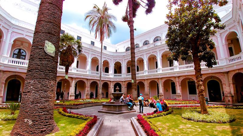 Historische Innenhöfe in Quito, der Haupstadt von Ecuador