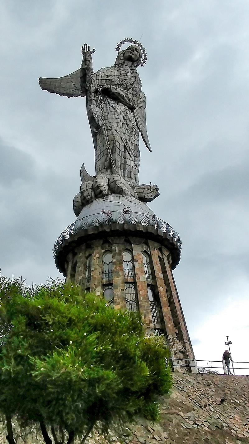 El Panecillo, ein beliebter Aussichtspunkt in Ecuadors Hauptstadt Quito
