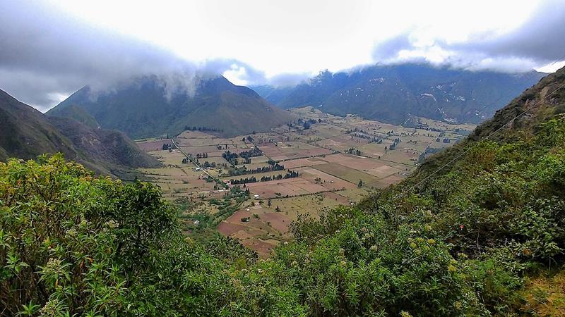 Der Vulkan sowie Vulkankrater Pululahua in der Nähe von Quito und dem Mitad del Mundo