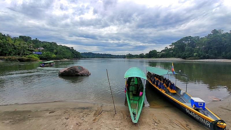 Der Rio Napo bei Puerto Misahualli im Amazonasbecken von Ecuador