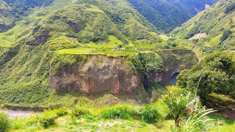 Tolle Wasserfälle entlang der Ruta de las Cascadas in Banos, Ecuador