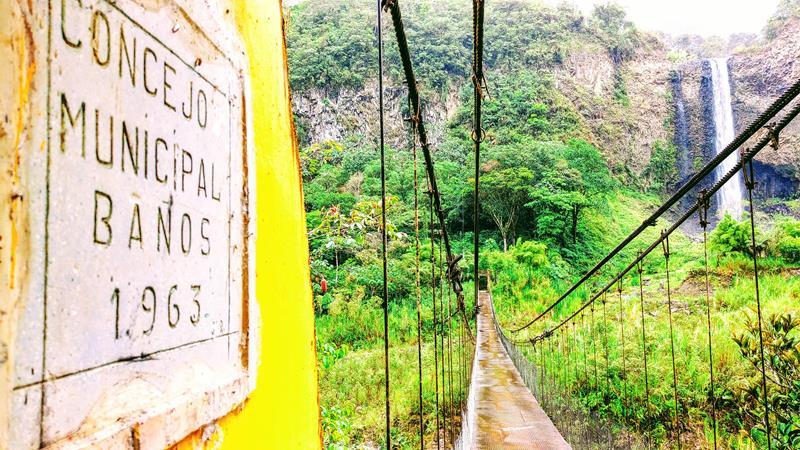 Der Manto de la Novia an der Ruta de las Cascadas bei Banos