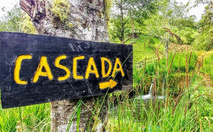 Es gibt nahezu unzählige Wasserfälle in Baños, Ecuador
