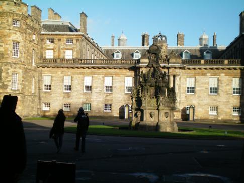 The Palace of Holyroodhouse - die schottische Residenz der britischen Königsfamilie