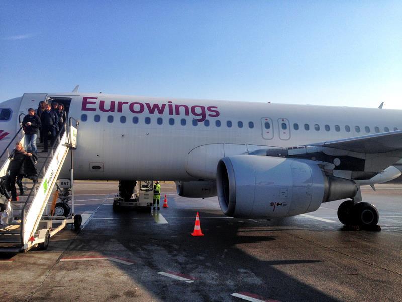 Ein Eurowings-Flugzeug auf dem Rollfeld