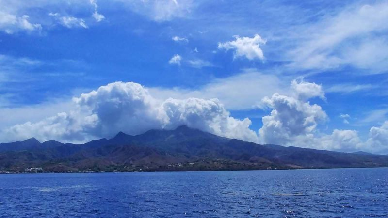 Der Mont Pelee vom Meer aus gesehen, auf der Fahrt von Martinique nach Dominica