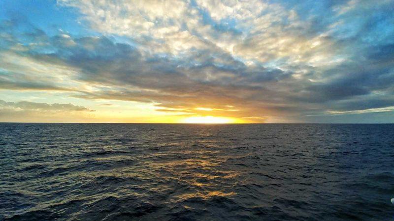 Sonnenuntergang auf der Fahrt mit Express des Iles von St. Lucia nach Martinique