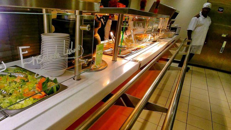 Das Buffet auf der Fährüberfahrt mit Ferries del Caribe von San Juan nach Santo Domingo