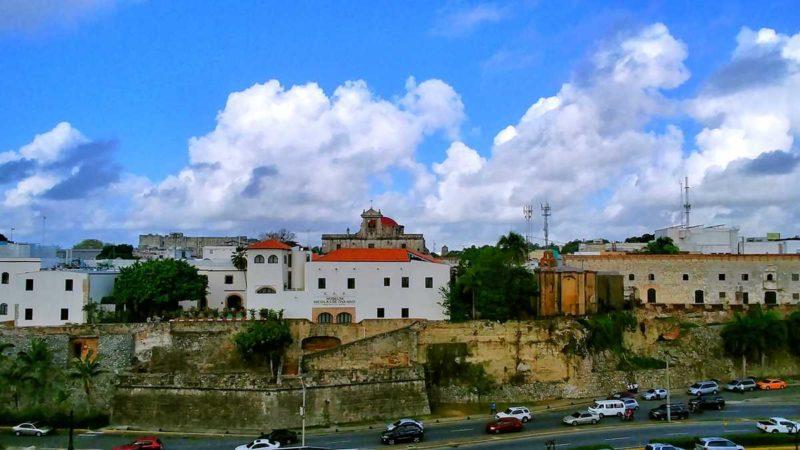 Blick auf die Zona Colonial von Santo Domingo bei Ankunft in der Dominikanischen Republik