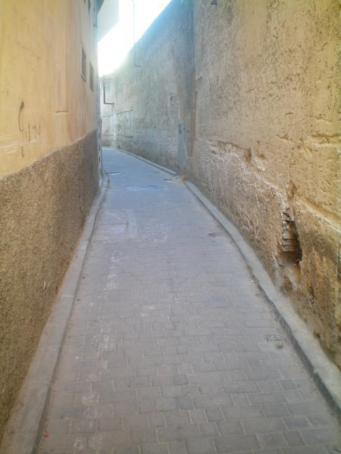 Die engen Gassen und Straßen in der Medina von Fez (Fes)