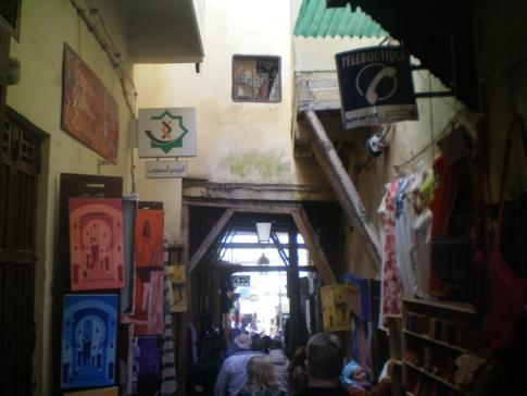 Die Talaa Seghira, eine von zwei Hauptgassen in der Medina von Fez