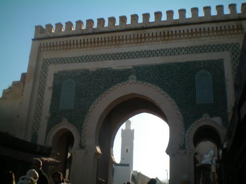 Das Bab Bou Jeloud, Stadttor im Norden der Medina