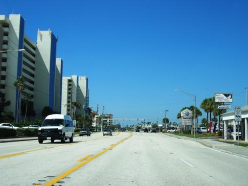 Küstenstraße von Madeira Beach nach Clearwater Beach in Florida