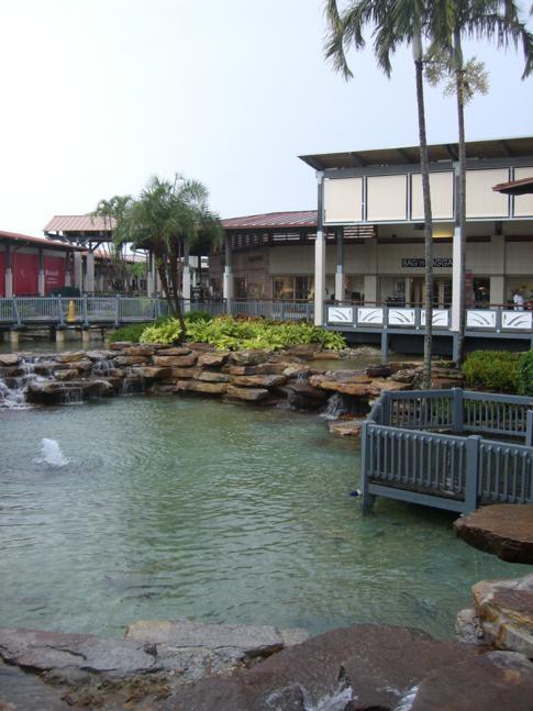 Das Shopping-Center The Falls im Süden von Miami