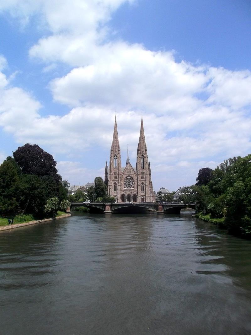 Die St. Paul Kirche in Straßburg
