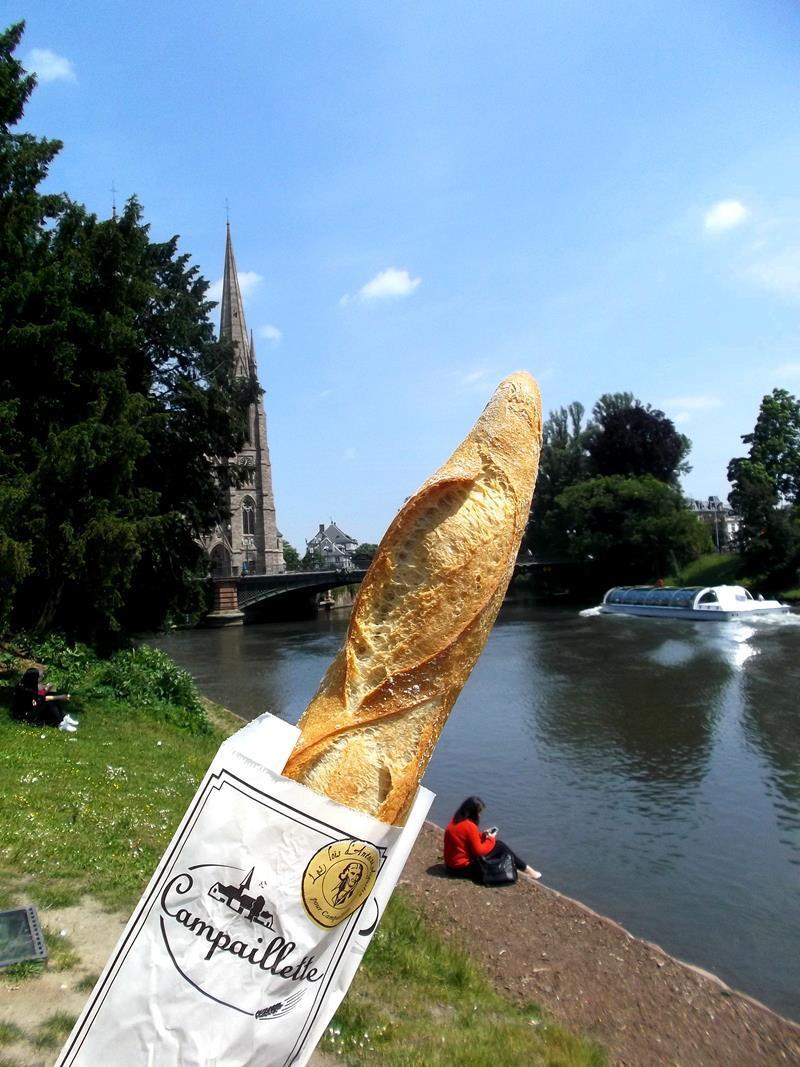 Klassisches Essen in Frankreich: Baguette