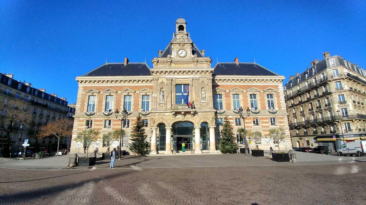 Das Rathaus im 19. Arrondissement von Paris